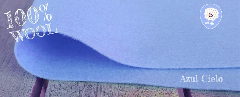 fieltro de lana 100% azul cielo