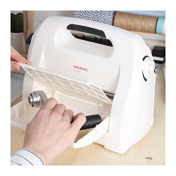 Máquina para troquelar y Repujar Boca de 15 cm.