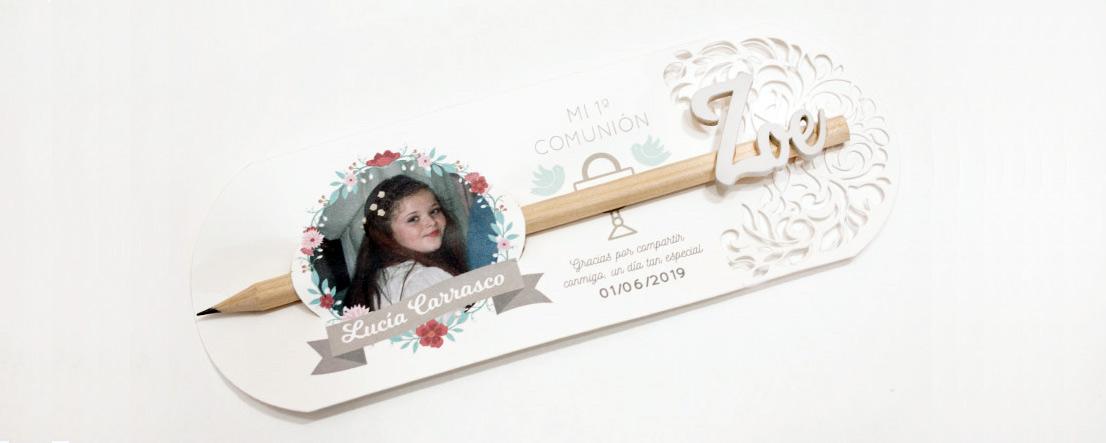 Soporte para lápices con nombre de madera personalizado