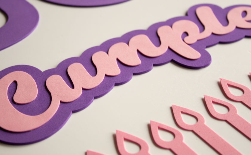 letras y tarta de cumpleaños de goma eva